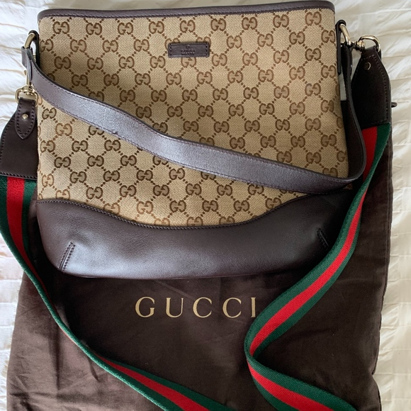 Gucci Handbags - Authentic Gucci crossbody with removable web strap
